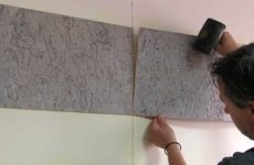 Отделка стен пробковыми панелями
