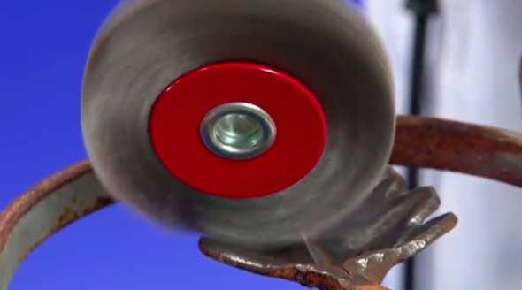 Удаление ржавчины щёткой