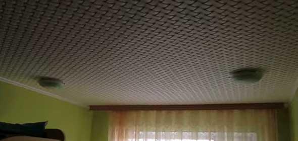 Клеевой потолок из пенополистирольной плитки