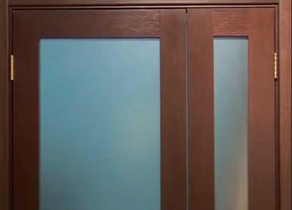 Полуторапольная дверь