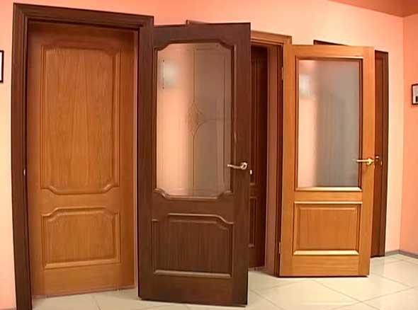 Распашные межкомнатные двери для квартиры