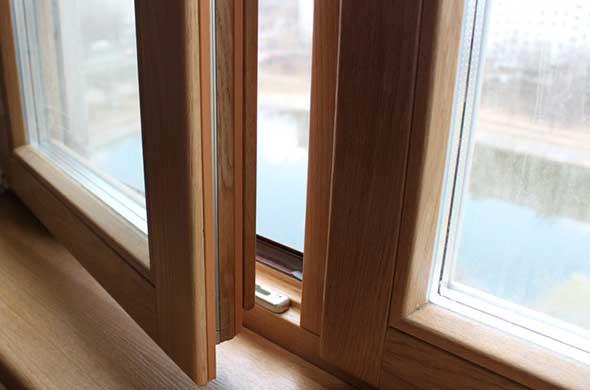Балконная рама из древесины
