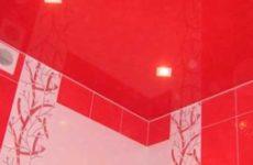 Натяжной потолок в ванной комнате – стоит ли делать