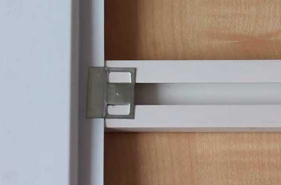 Крепление панели к пластиковой обрешётке