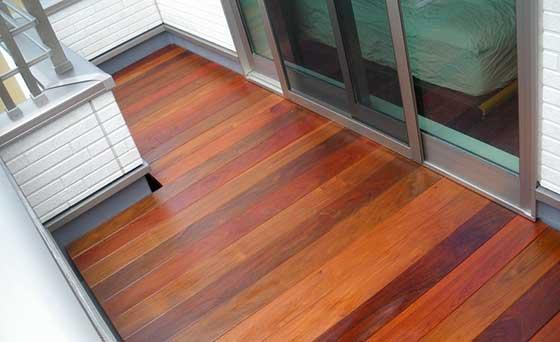 Террасная доска на открытом балконе