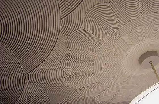 Фактурный рисунок на потолке