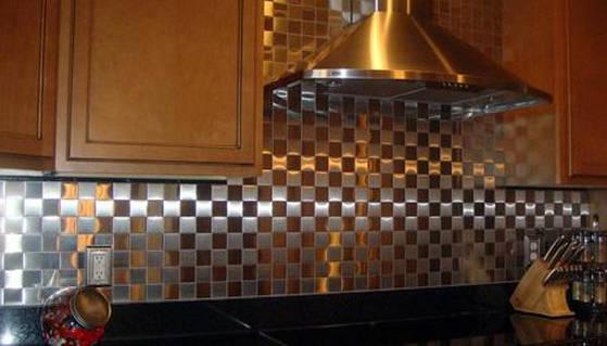 Металл на кухонном фартуке