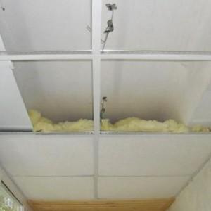 Кассетный потолок на балконе своими руками