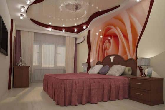 Натяжные стены в спальне