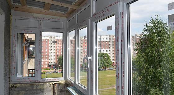 Установка балконной рамы с двойным стеклопакетом