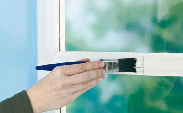 Окрашивание деревянного окна
