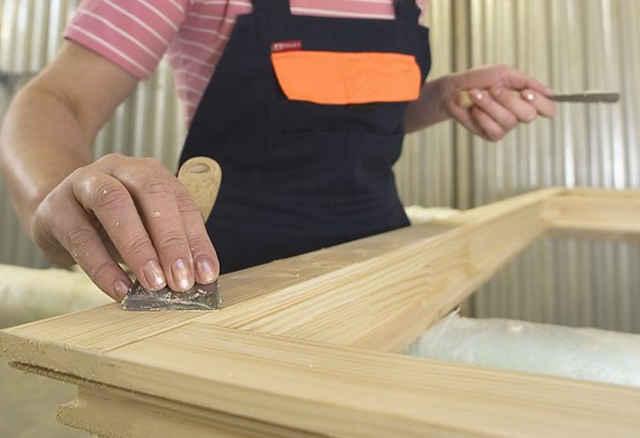 Шпаклёвка деревянного окна