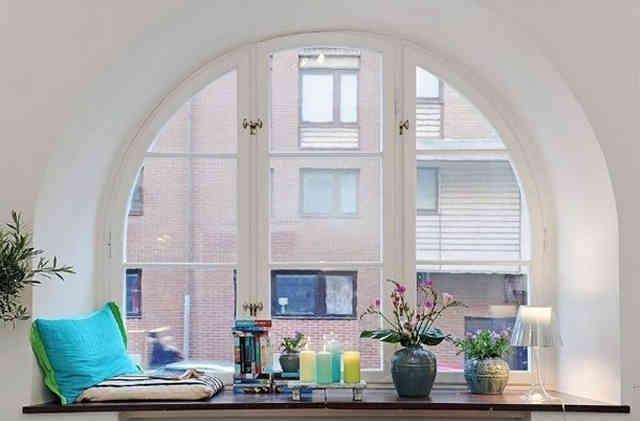 Подоконник неотъемлемая часть интерьера квартиры