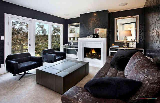 Интерьер гостиной в черных обоях