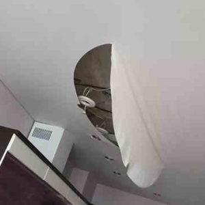 Недостатки – минусы натяжных потолков