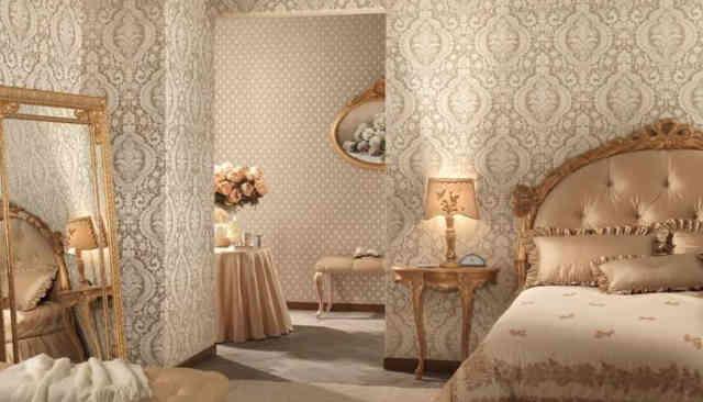 Интерьер комнаты с виниловыми обоями