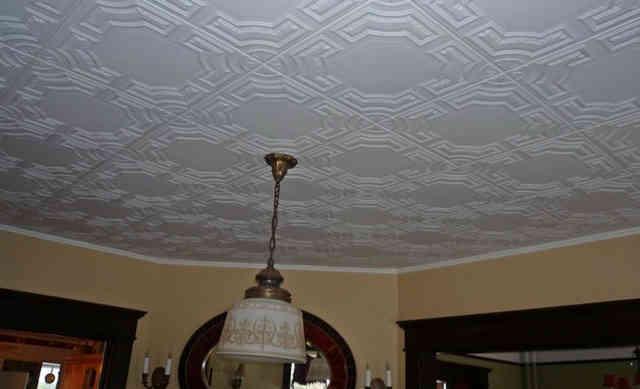 Поверхность отделанная потолочной плиткой