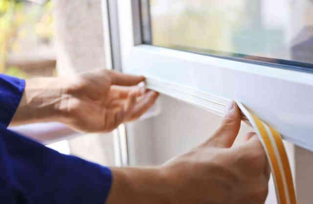 Чем-заклеить окна на зиму уплотнитель