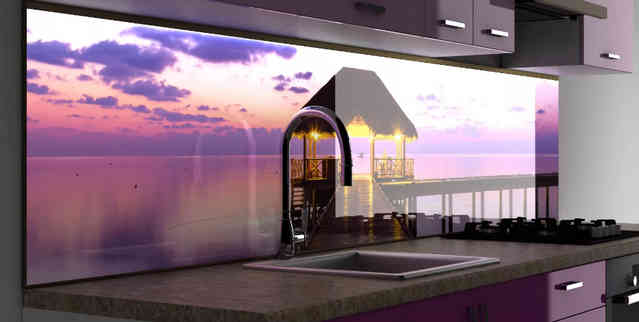 Стеклянная стеновая панель на кухонном фартуке